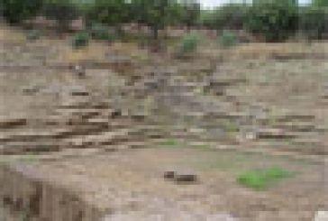 """Γεμίζει ο """"κουμπαράς"""" για το αρχαίο θέατρο Καλυδώνας"""