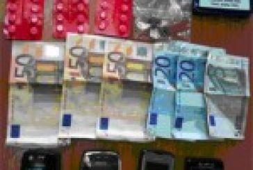 Γυναίκα στο Αγρίνιο είχε ξαφρίσει κινητά και χρήματα από θαμώνες καφετέριας