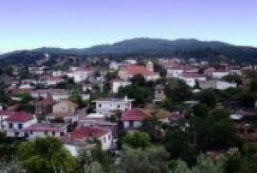 Σκηνές Φαρ Ουέστ στην Κονοπίνα Ξηρομέρου