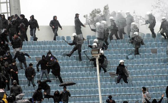 Το νέο νομοσχέδιο για την αθλητική βία παίρνει κεφάλια