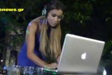 Η Όλγα Φαρμάκη dj στο πανηγύρι του χωριού της. Τι είπε στο agrinionews (video)