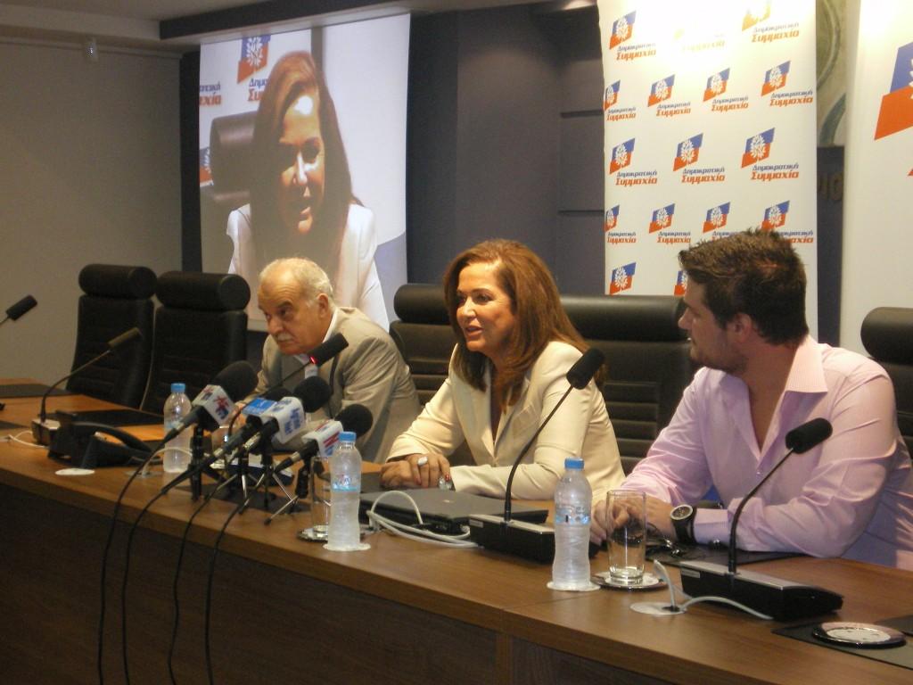 Κριτική προς πολλές κατευθύνσεις από τη Ντόρα Μπακογιάννη