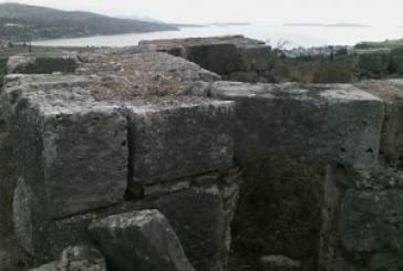 Βρέθηκαν σημαντικά αρχαία λουτρά κοντά στον Αστακό. Πάνε για «θάψιμο»;