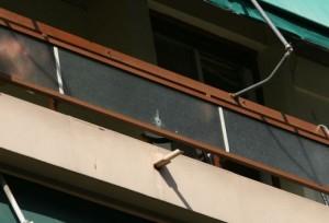 Nεκρός ο 51χρονος που έπεσε από τον 4ο όροφο. Πιθανόν αυτοκτονία.
