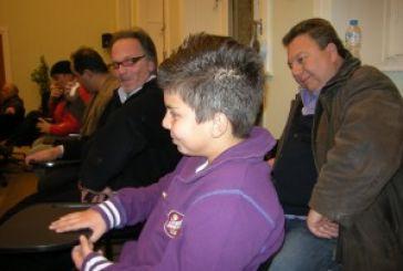 Τα εύσημα από το δημοτικό συμβούλιο στον 14χρονο Δημήτρη