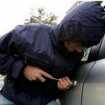 Έκλεψαν αυτοκίνητο στο Μύτικα