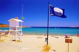 Γαλάζιες σημαίες μόνο στη Ναύπακτο