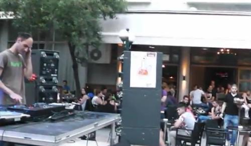 Dj στο πεζόδρομο Ηλία Ηλιού (Βίντεο)