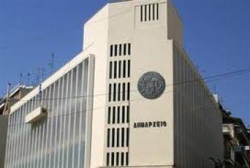 """Ο Επίτροπος """"τρέχει"""" το δημοτικό συμβούλιο Αγρινίου του 2000"""