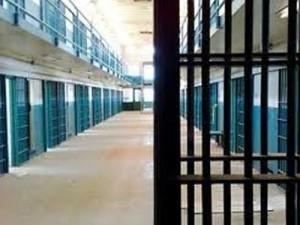 Αγώνας δρόμου για τις φυλακές στο Αγρίνιο