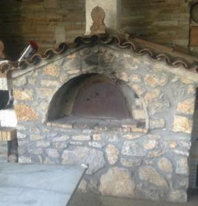 Ένας παραδοσιακός φούρνος της Παλαιομάνινας στην… Αττική!