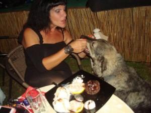 H Bόσσου και το λυκόσκυλο στο Μεσολόγγι