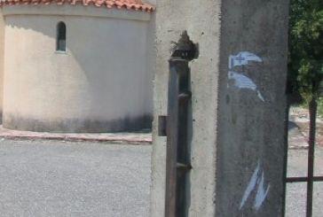 Έκλεψαν μέχρι και …πόρτα νεκροταφείου