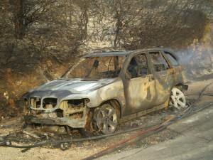 Φωτιά ξεκίνησε από όχημα και επεκτάθηκε…