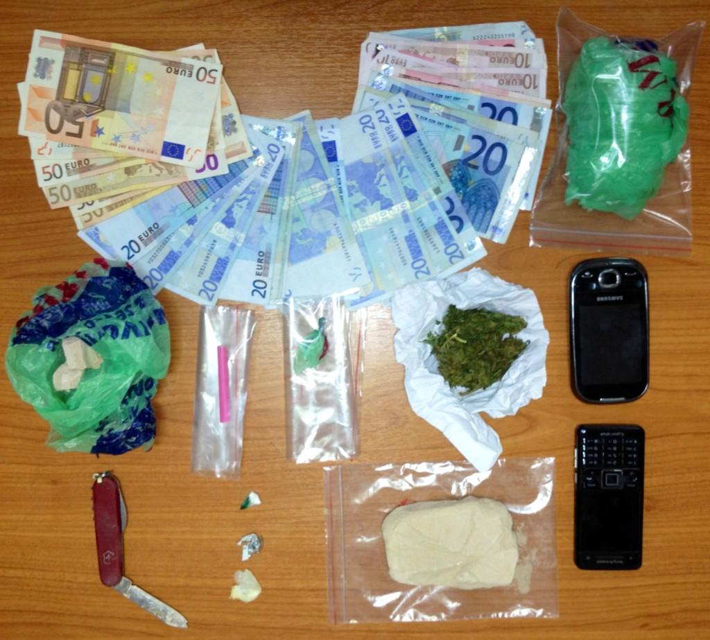 Συλλήψεις στην Αμφιλοχία για ναρκωτικά (φωτό)