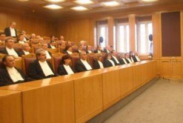Νομικός αγώνας με απλήρωτους δικηγόρους!