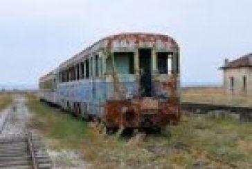 Υπερ της σιδηροδρομικής γραμμής ο Βαρεμένος