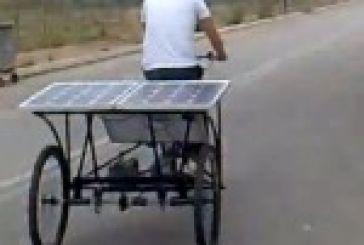 Τρίκυκλο με ηλιακή ενέργεια φέρνει βόλτες στο Αγρίνιο