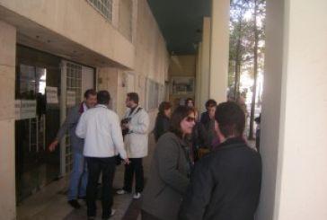 Συμβολική κατάληψη υπαλλήλων ΟΤΑ στο Δημαρχείο