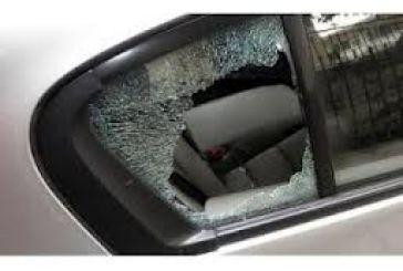 Έσπασαν 18 αυτοκίνητα στη Χαρ.Τρικούπη