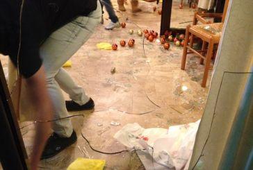 Κρανοφόροι έσπασαν μαγαζί στην Κρυστάλλη
