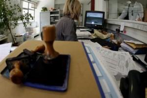 Εντός Φεβρουαρίου οι μετακινήσεις των πρώτων 2.500 δημοσίων υπαλλήλων