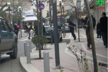 Καταδρομική επίθεση σε αστυνομικούς στο κέντρο της πόλης! (φωτό)