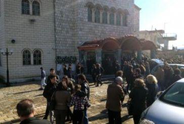 Θρήνος και βαθειά θλίψη στην κηδεία της 16χρονης Σπυριδούλας