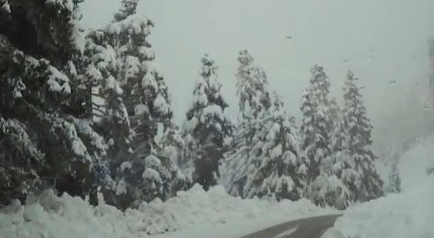Νιφάδες χιονιού με το «σταγονόμετρο» βλέπουν φέτος οι Έλληνες