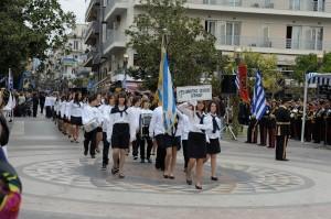 Kαραγκούνης στο Μεσολόγγι, Σαλμάς στο Αγρίνιο για την παρέλαση