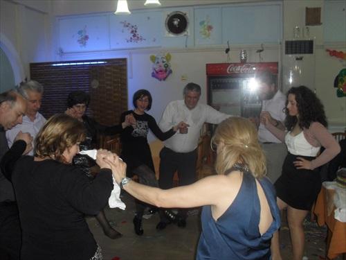 Με κέφι ο χορός του συλλόγου Εργατικών Κατοικιών Σταδίου (φωτό)
