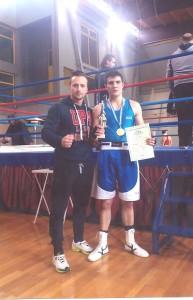 Ο Aγρινιώτης Κ.Παπαδόπουλος πρωταθλητής στην πυγμαχία νέων (video)