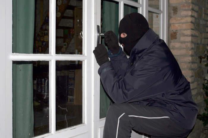 Συνελήφθη 20χρονος ρομά που έκλεβε κατά συρροή…