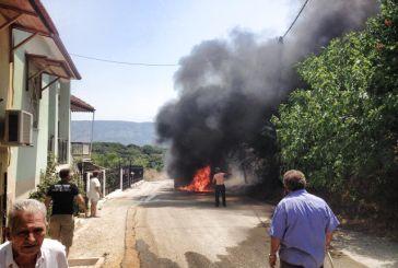 Aπό αυτοκίνητο ξέσπασε η φωτιά στην Κωνωπίνα