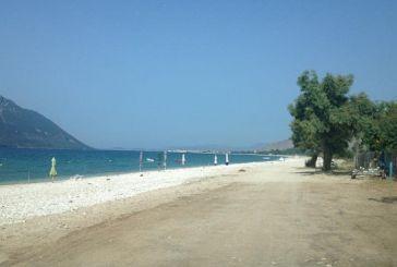 Οι παραλίες στον Μύτικα πανέτοιμες σας περιμένουν!