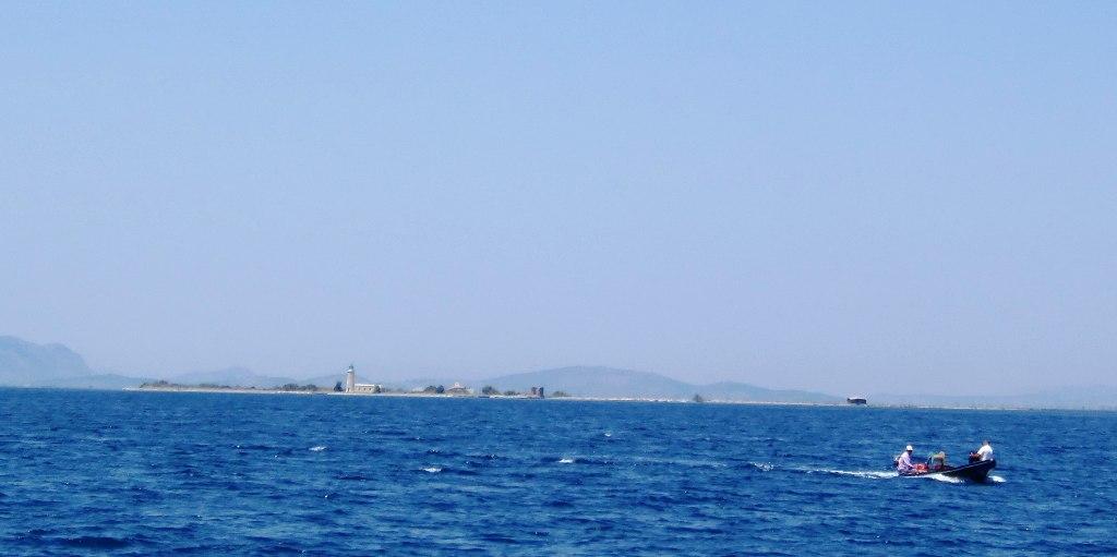 Το θαλάσσιο ταξί αναχωρεί από την Τουρλίδα και για Λούρο!