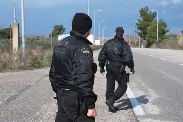 Βαφτίζουν αστυνομικούς ως ΟΠΚΕ και τους στέλνουν στη Ναυπακτία