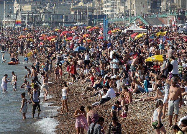 Britain Enjoys An Unseasonably Warm Start To October