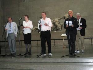 από αριστερά Καθηγ.Roderick Beaton, ηθοποιός του Βασιλικού Θεάτρου, Dr. Peter Cochran, Καθ. Bernard Beatty, Καθ. Charles Robinson