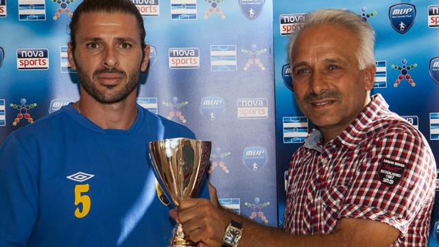 Το βραβείο του MVP στον Γιώργο Κούσα