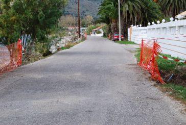 Ξεκίνησε η διαπλάτυνση των γεφυριών στην παραλιακή οδό εισόδου του Μύτικα
