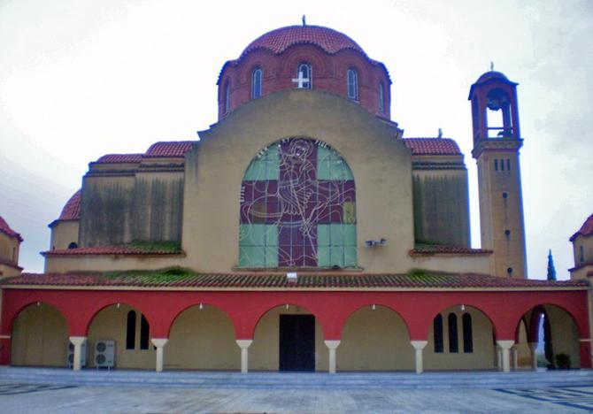 """Χαρακτηρίζουν """"σεξισμό και ρατσισμό"""" την εικόνα στον Ιερό Ναό Αγίου Δημητρίου στο Καινούριο"""