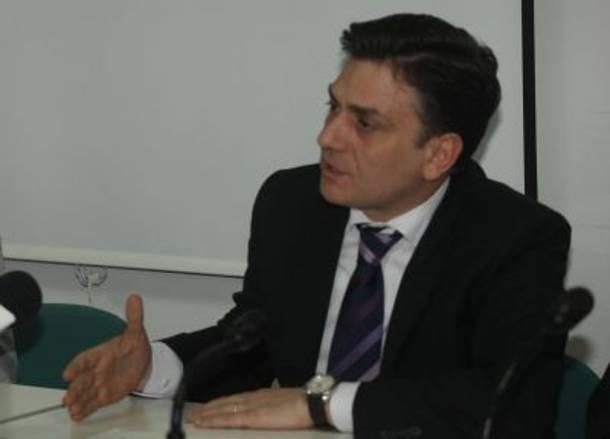 10ημερη αναγκαστική «αφωνία» για τον Θάνο Μωραΐτη
