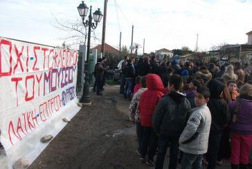Συγκέντρωση διαμαρτυρίας ενάντια στο κλείσιμο του Μουσείου Θυρρείου (φωτό)
