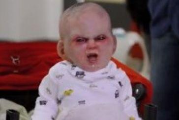 Πανικός στη Νέα Υόρκη: Το μωρό του Σατανά τρομοκρατεί όλη την πόλη [βίντεο]
