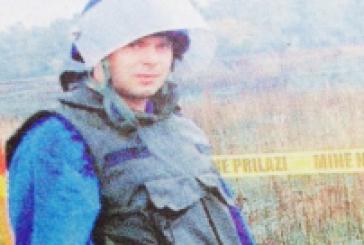 Αυτός είναι ο δημοσιογράφος Κωνσταντίνος Τζεβελέκος με τη «χρυσή» ΜΚΟ, που απέσπασε 9 εκατ. ευρώ