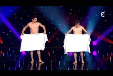 Μια απίστευτη κωμική παράσταση η οποία θα σας χαρίσει γέλιο! (Βίντεο)