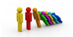 Γιατί 80.000 δημόσιοι υπάλληλοι κινδυνεύουν με απόλυση