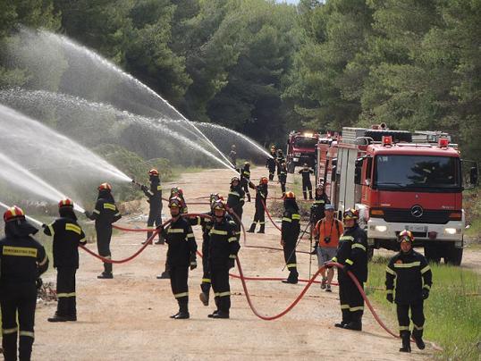 """""""Δια- πυρός"""" στο Αλσύλλιο Παραβόλας"""