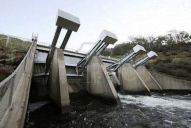 To Υδροηλεκτρικό αντλησιοταμίευσης (hydro-pumped storage) στην Αμφιλοχία  προβλέπεται να είναι  συνολικής ισχύος 590 MW, με στόχο την παραγωγή και την μεγάλης κλίμακας αποθήκευση ηλεκτρικής ενέργειας. Το κόστος της επένδυσης εκτιμάται σε 500 εκατ. ευρώ.